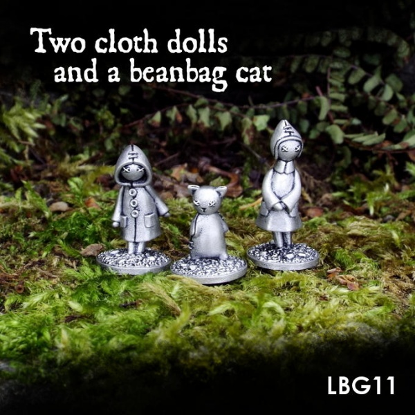 LBG11 Two cloth dolls and a beanbag cat