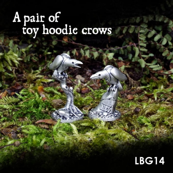 LBG14 A pair of toy hoodie crows